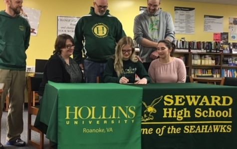 Hood Signs with Hollins University