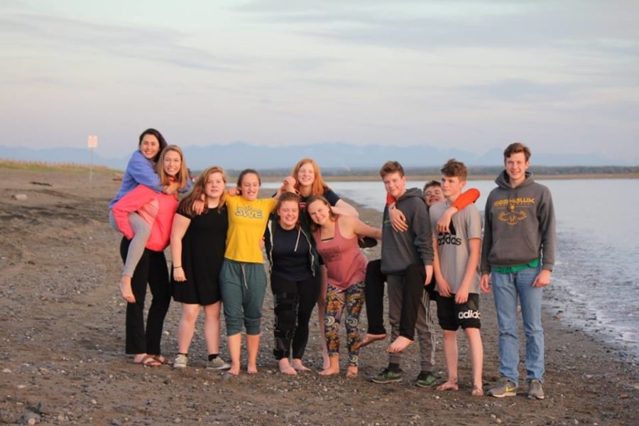 Team photo in Kenai. Photographer: Sarah Spanos