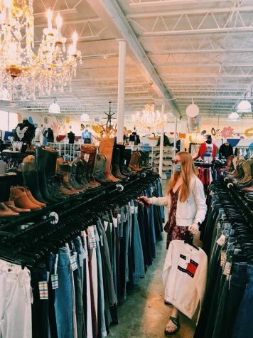 A Welcome to the Fashion Column + an Introduction to the Art of Thrifting